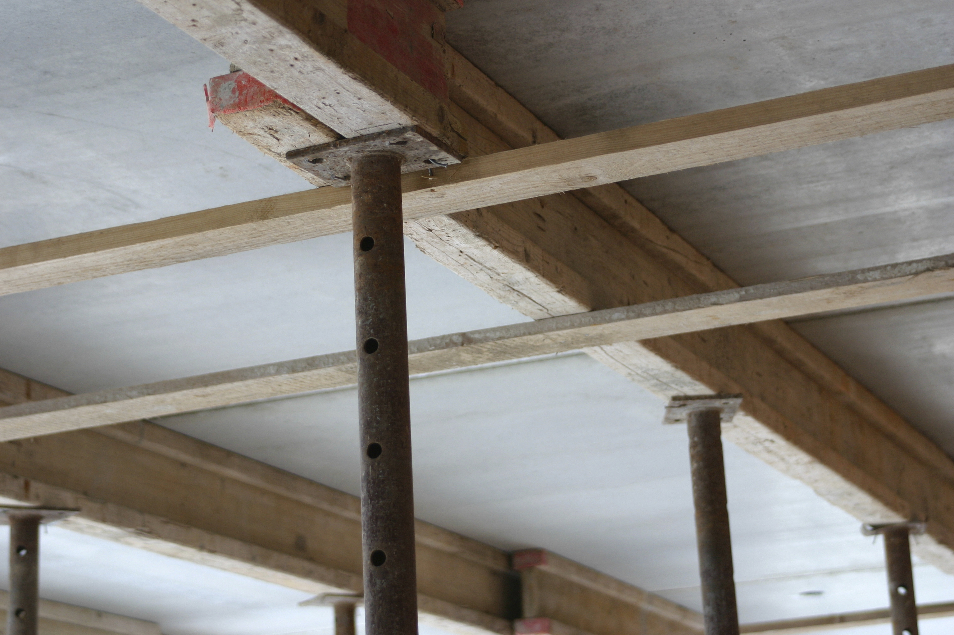 ceiling-beams-000000440337_Large
